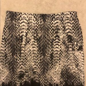 Peter Nygard Snake Skin Skirt-Offer/Bundle to Save